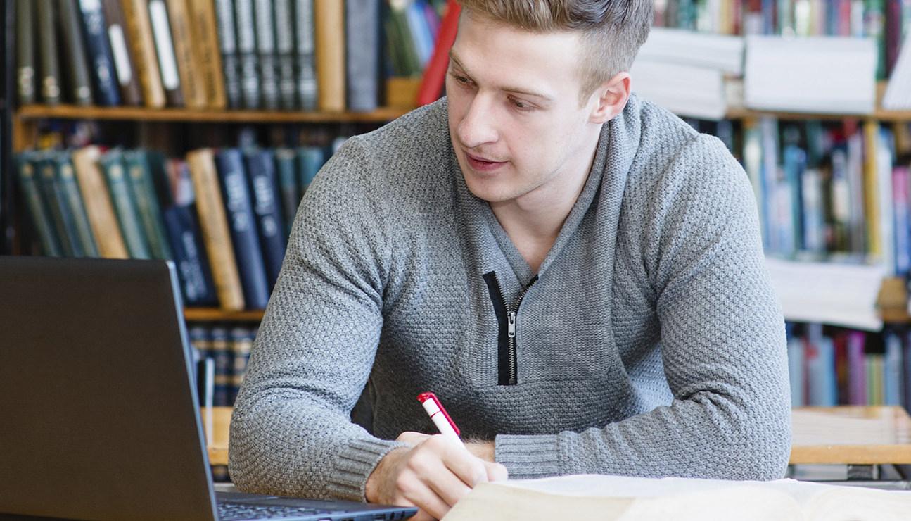 Argumentative Essay Topics that Intrigue the Reader